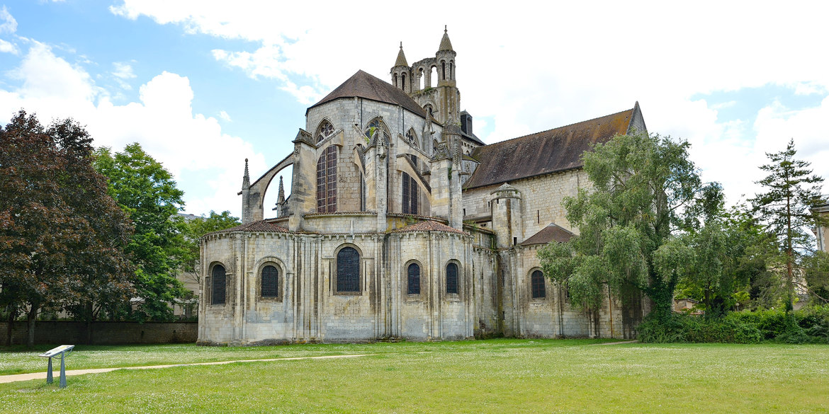 St-Jean de Montieurneuf in Poitiers, parish of Jean Proust, the husband of Catherine Pinel
